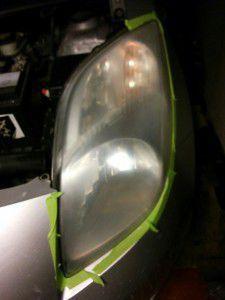 Optique de phare après un 5ème ponçage, transparence
